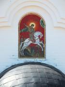 Храмовый образ на фасаде Георгиевской часовни в Святово Переславского района Ярославской области.