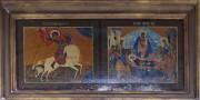 Храмовые иконы над входом в церковь Успения Пресвятой Богородицы в Новосёлках Чеховского района Московской области.
