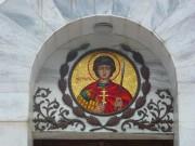 Образ святого Георгия Победоносца над входом в церковь-часовню Георгия Победоносца на Сапун-горе в Севастополе.