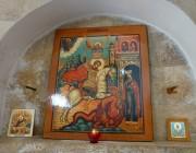 Иконы в интерьере церкви-часовни Георгия Победоносца на Сапун-горе в Севастополе.