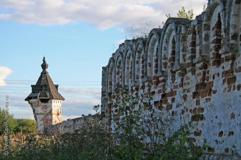 Vologda περιοχή.  Vologda περιοχή.  Luchnikov.  Zaonikievskaya Βλαντιμίρ Μητέρα του Θεού ερήμους.  Φράχτης.  Πύργος.  Εικόνα.