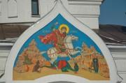 Храмовая икона Георгия Победоносца на южном фасаде церкви Георгия Победоносца (новая) в Орске Оренбургской области.