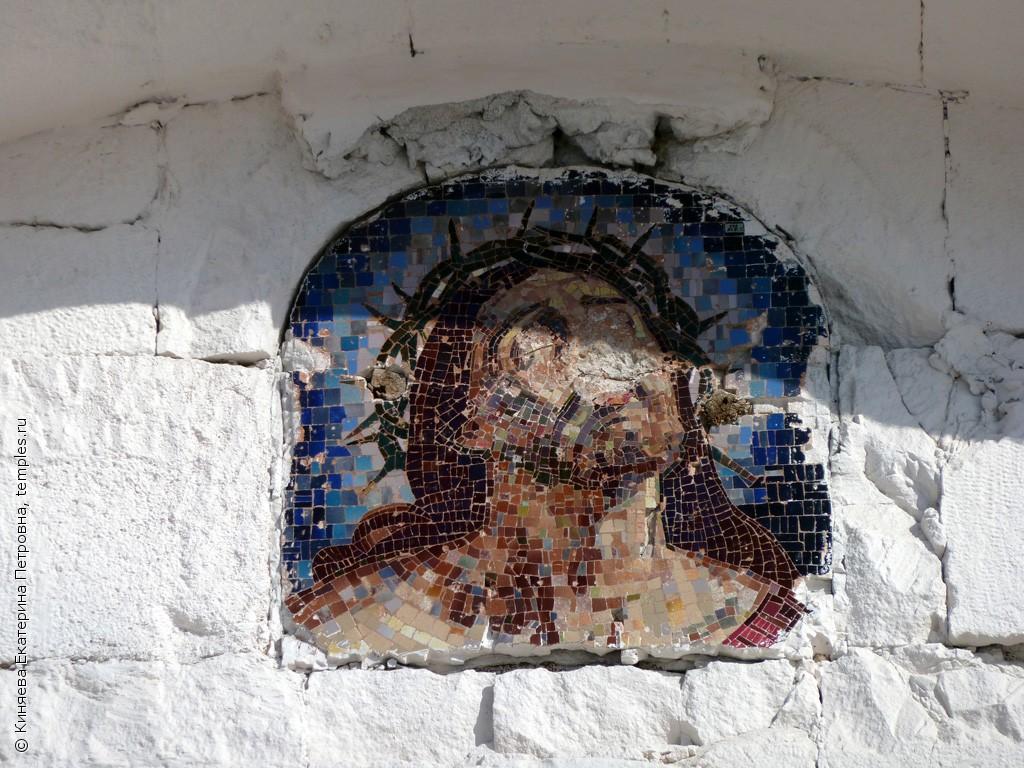 Самарская область. Чапаевск. Церковь Сергия Радонежского. Икона. Мозаика. Фотография.